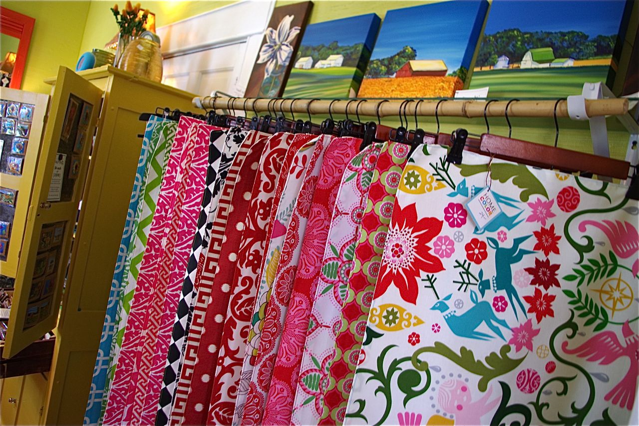 Superieur HOME COLOR Table Runners